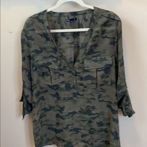 Gap camouflage blouse